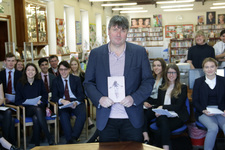 St George's welcomes world-famous poet Simon Armitage